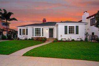 Photo 1: POINT LOMA House for sale : 3 bedrooms : 2716 Poinsettia Drive in San Diego