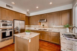 Photo 4: UNIVERSITY CITY House for sale : 3 bedrooms : 5395 Renaissance Ave in San Diego
