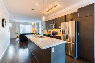 "Photo 5: 19 13886 62 Avenue in Surrey: Sullivan Station Townhouse for sale in ""Fusion"" : MLS®# R2343165"