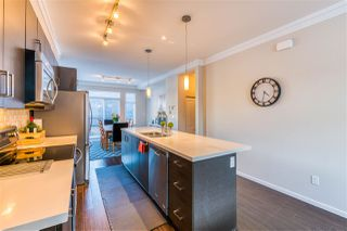 "Photo 10: 19 13886 62 Avenue in Surrey: Sullivan Station Townhouse for sale in ""Fusion"" : MLS®# R2343165"