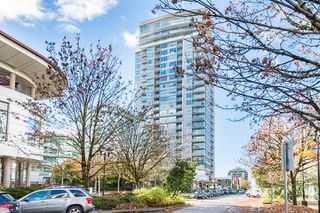 "Photo 1: 901 125 E 14TH Street in North Vancouver: Central Lonsdale Condo for sale in ""CENTERVIEW Tower B"" : MLS®# R2346792"