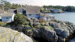 Photo 36: 445 Foster St in VICTORIA: Es Saxe Point House for sale (Esquimalt)  : MLS®# 809612