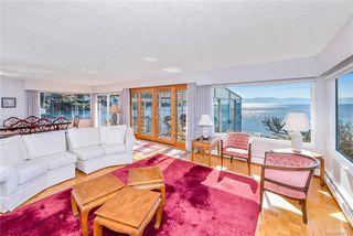 Photo 2: 445 Foster St in VICTORIA: Es Saxe Point House for sale (Esquimalt)  : MLS®# 809612