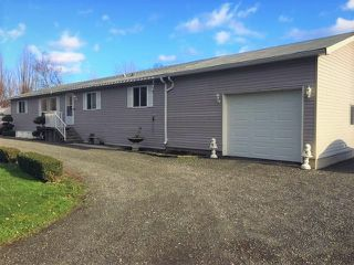 Photo 1: 40160 SOUTH PARALLEL Road in Abbotsford: Sumas Prairie House for sale : MLS®# R2354823