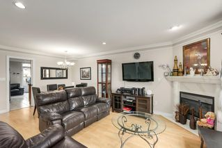 Photo 2: 5452 MANOR Street in Burnaby: Central BN 1/2 Duplex for sale (Burnaby North)  : MLS®# R2358736