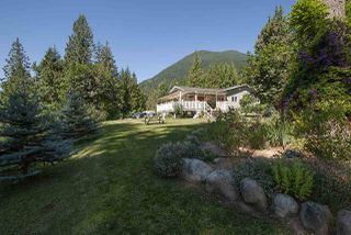 Main Photo: 10486 N DEROCHE Road in Mission: Dewdney Deroche House for sale : MLS®# R2359697