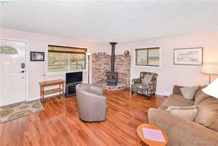 Photo 8: 2819 Rockwell Avenue in VICTORIA: SW Gorge Single Family Detached for sale (Saanich West)  : MLS®# 408571