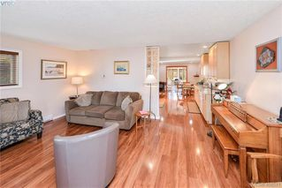 Photo 7: 2819 Rockwell Avenue in VICTORIA: SW Gorge Single Family Detached for sale (Saanich West)  : MLS®# 408571