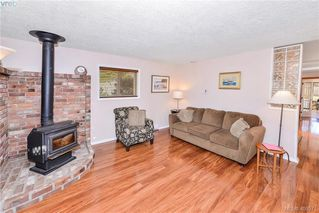 Photo 9: 2819 Rockwell Avenue in VICTORIA: SW Gorge Single Family Detached for sale (Saanich West)  : MLS®# 408571