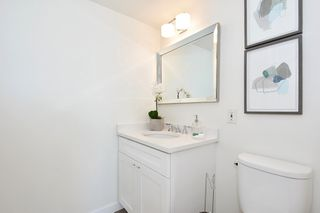 "Photo 14: 902 2288 W 40TH Avenue in Vancouver: Kerrisdale Condo for sale in ""Kerrisdale Parc"" (Vancouver West)  : MLS®# R2363807"