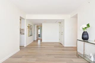 "Photo 5: 902 2288 W 40TH Avenue in Vancouver: Kerrisdale Condo for sale in ""Kerrisdale Parc"" (Vancouver West)  : MLS®# R2363807"