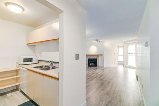 Photo 4: 310 518 THIRTEENTH Street in New Westminster: Uptown NW Condo for sale : MLS®# R2364314