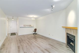 Photo 3: 310 518 THIRTEENTH Street in New Westminster: Uptown NW Condo for sale : MLS®# R2364314