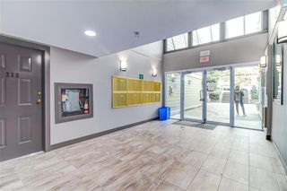 Photo 2: 310 518 THIRTEENTH Street in New Westminster: Uptown NW Condo for sale : MLS®# R2364314
