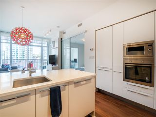 "Photo 7: 906 108 E 1ST Avenue in Vancouver: Mount Pleasant VE Condo for sale in ""MECCANICA"" (Vancouver East)  : MLS®# R2372003"