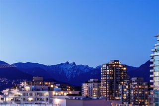 """Photo 5: 1101 199 VICTORY SHIP Way in North Vancouver: Lower Lonsdale Condo for sale in """"THE TROPHY"""" : MLS®# R2373597"""
