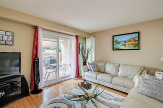 Photo 4: 7131 180 Street NW in Edmonton: Zone 20 Townhouse for sale : MLS®# E4160863