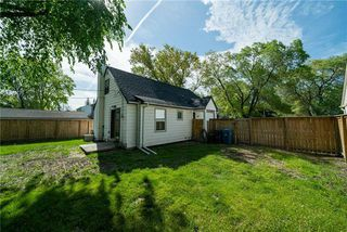 Photo 18: 31 LODGE Avenue in Winnipeg: Silver Heights Residential for sale (5F)  : MLS®# 1914750