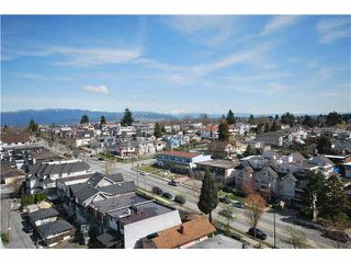 Photo 2: 1201 3489 ASCOT Place in Vancouver: Collingwood VE Condo for sale (Vancouver East)  : MLS®# R2381769
