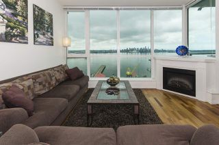 "Main Photo: 1804 138 E ESPLANADE Avenue in North Vancouver: Lower Lonsdale Condo for sale in ""Premiere at the Pier"" : MLS®# R2382483"