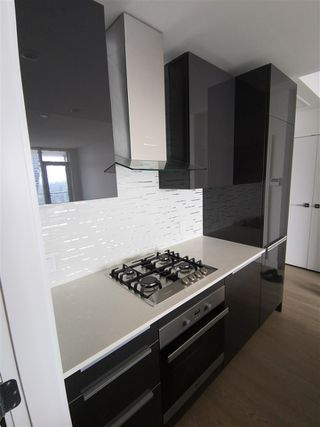 Photo 5: 3707 1283 HOWE Street in Vancouver: Downtown VW Condo for sale (Vancouver West)  : MLS®# R2384210