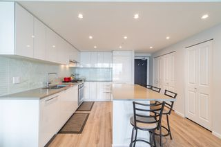 """Photo 3: 3105 6638 DUNBLANE Avenue in Burnaby: Metrotown Condo for sale in """"MIDORI"""" (Burnaby South)  : MLS®# R2384420"""