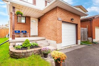 Photo 3: 31 Beechnut Crescent in Clarington: Courtice House (2-Storey) for sale : MLS®# E4585901