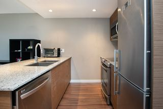 Photo 6: 315 135 E 17TH Street in North Vancouver: Central Lonsdale Condo for sale : MLS®# R2416397