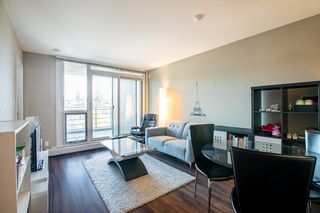 Photo 2: 315 135 E 17TH Street in North Vancouver: Central Lonsdale Condo for sale : MLS®# R2416397
