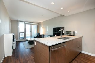 Photo 5: 315 135 E 17TH Street in North Vancouver: Central Lonsdale Condo for sale : MLS®# R2416397