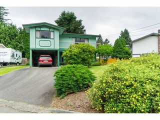 Photo 3: 3383 HENDON Street in Abbotsford: Abbotsford East House for sale : MLS®# R2468157