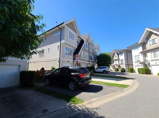 """Photo 2: 63 20540 66 Avenue in Langley: Willoughby Heights Townhouse for sale in """"AMBERLEIGH"""" : MLS®# R2489777"""