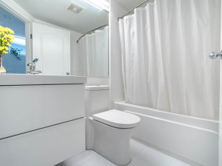 """Photo 13: 302 189 ONTARIO Place in Vancouver: Main Condo for sale in """"Mayfair"""" (Vancouver East)  : MLS®# R2497347"""