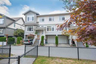 Photo 1: 122 16177 83 Avenue in Surrey: Fleetwood Tynehead Townhouse for sale : MLS®# R2499276