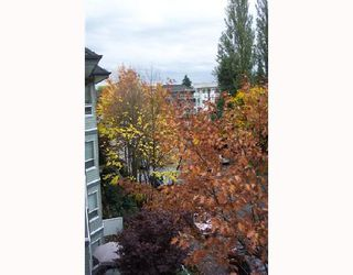 Photo 3: 408 2439 WILSON Avenue in Port Coquitlam: Central Pt Coquitlam Condo for sale : MLS®# V675180