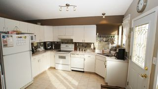 Photo 5: 196 Orum Drive in Winnipeg: North Kildonan Single Family Detached for sale (North East Winnipeg)  : MLS®# 1221832