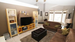Photo 2: 196 Orum Drive in Winnipeg: North Kildonan Single Family Detached for sale (North East Winnipeg)  : MLS®# 1221832