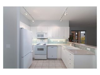 Photo 5: 303 2755 MAPLE Street in Vancouver: Kitsilano Condo for sale (Vancouver West)  : MLS®# V978385