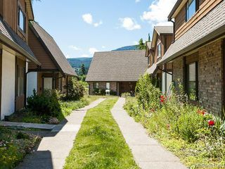 Photo 2: 5 1637 Bowen Rd in NANAIMO: Na Central Nanaimo Row/Townhouse for sale (Nanaimo)  : MLS®# 661687