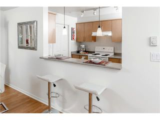 "Photo 11: 201 3142 ST JOHNS Street in Port Moody: Port Moody Centre Condo for sale in ""SONRISA LANDING"" : MLS®# V1054411"