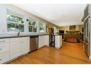 """Photo 10: 12597 20TH Avenue in Surrey: Crescent Bch Ocean Pk. House for sale in """"Ocean Park"""" (South Surrey White Rock)  : MLS®# F1442862"""