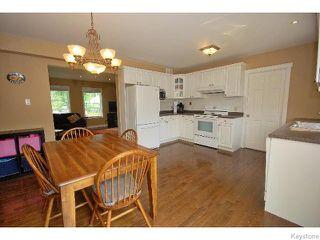 Photo 8: 136 Harrowby Avenue in WINNIPEG: St Vital Residential for sale (South East Winnipeg)  : MLS®# 1518220