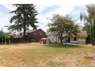 Photo 17: 994 McBriar Avenue in VICTORIA: SE Lake Hill Single Family Detached for sale (Saanich East)  : MLS®# 354017