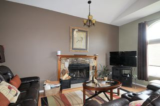 Photo 2: 11860 MEADOWLARK Drive in Maple Ridge: Cottonwood MR House for sale : MLS®# R2010930