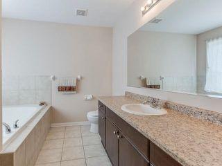 Photo 2: 11 Dulverton Drive in Brampton: Northwest Brampton House (2-Storey) for sale : MLS®# W3364030