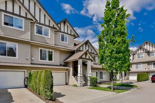 "Photo 2: 26 18181 68 Avenue in Surrey: Cloverdale BC Townhouse for sale in ""Magnolia"" (Cloverdale)  : MLS®# R2061851"