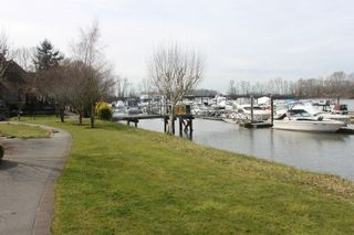 "Photo 14: 303 6263 RIVER Road in Delta: East Delta Condo for sale in ""Riverhouse"" (Ladner)  : MLS®# R2084959"