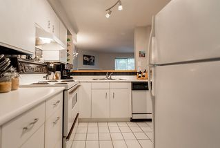 "Photo 12: 202 1665 ARBUTUS Street in Vancouver: Kitsilano Condo for sale in ""THE BEACHES"" (Vancouver West)  : MLS®# R2094713"