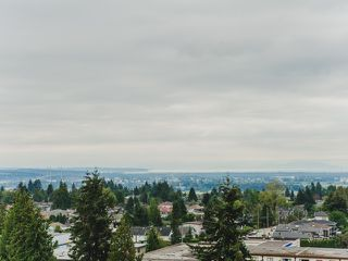 """Photo 15: 1402 6595 BONSOR Avenue in Burnaby: Metrotown Condo for sale in """"Bonsor Ave. Place"""" (Burnaby South)  : MLS®# R2105863"""