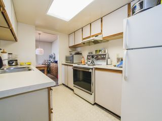 """Photo 11: 1402 6595 BONSOR Avenue in Burnaby: Metrotown Condo for sale in """"Bonsor Ave. Place"""" (Burnaby South)  : MLS®# R2105863"""